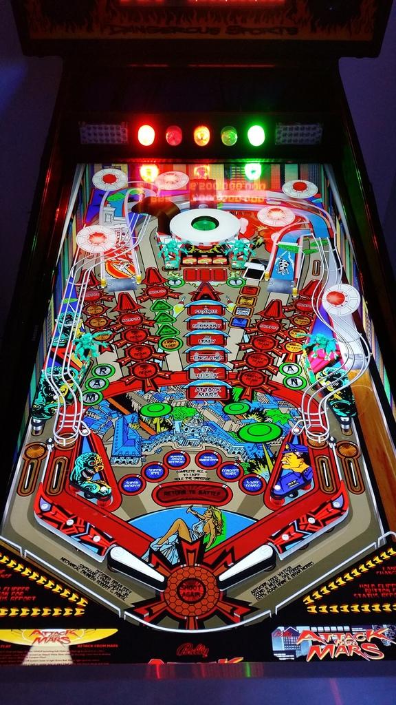 Sold - Multipin Madness Virtual Pinball   Pinball info